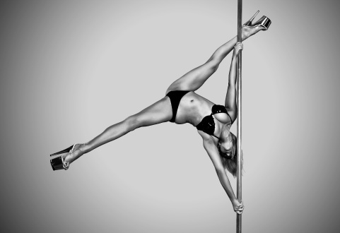 Trick + inversion pole dance