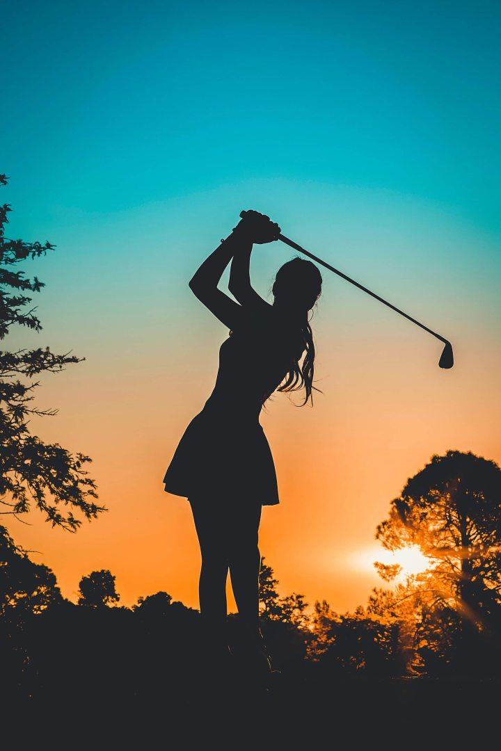 rencontrer un homme sur un terrain de golf