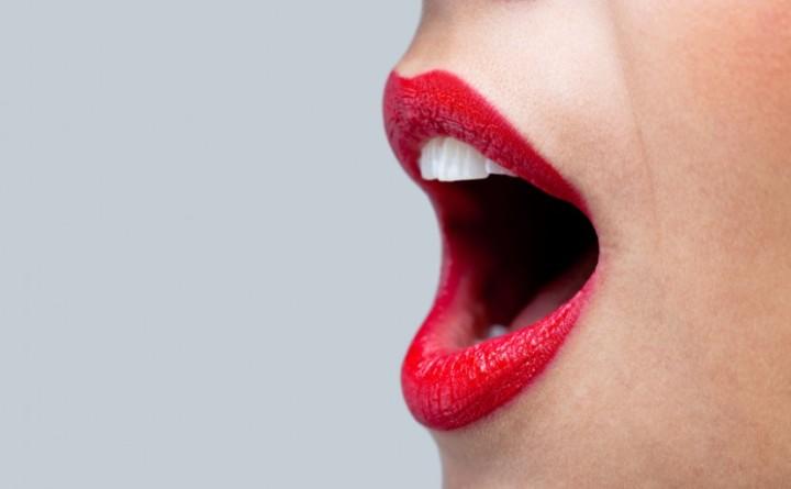 gymnastique lèvres - 10 astuces pour avoir une bouche pulpeuse