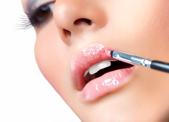 maquillage lèvres -10 astuces pour avoir une bouche pulpeuse