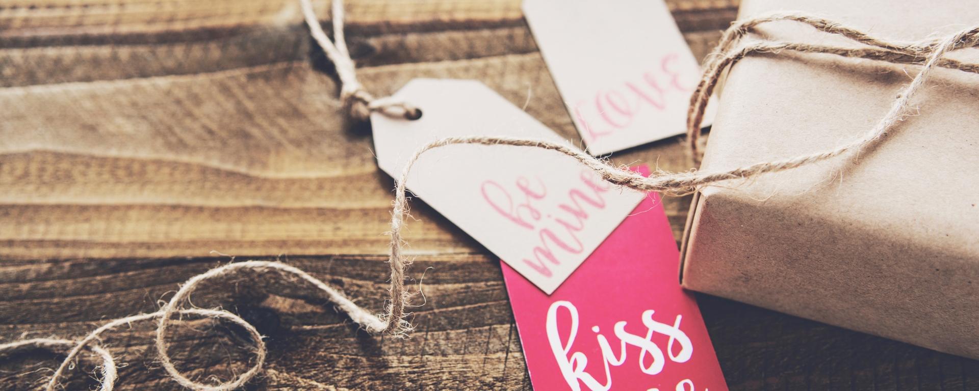 05 idées de cadeaux pour titiller vos sens à la saint valentin - the sexy chemical company