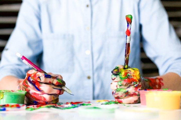 atelier journée éducative initiation science peinture enfants