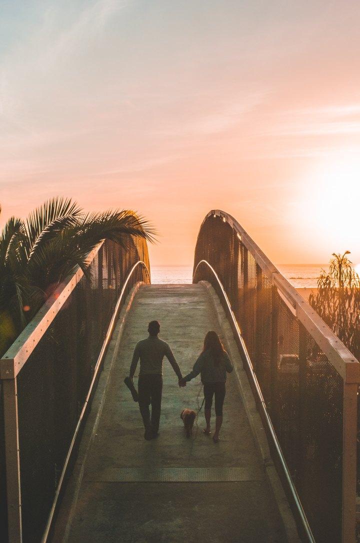 7 signes qu'elle vous aime vraiment - relation publique connue de tous