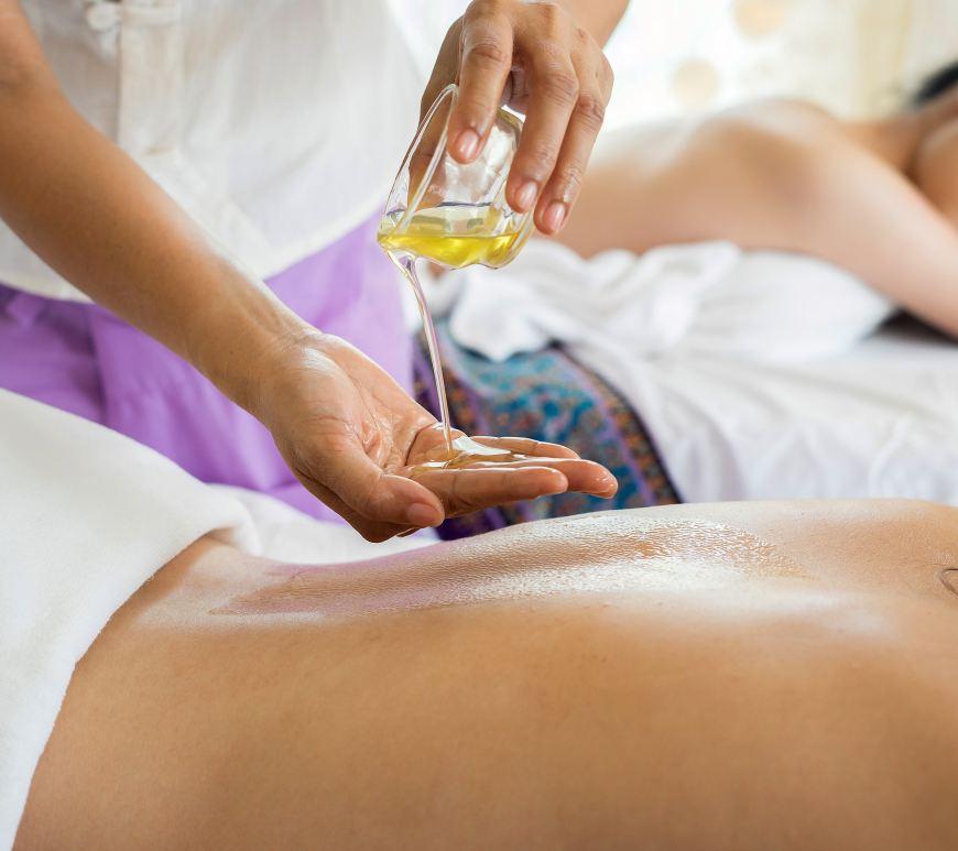 5 huiles végétales qui sont parfaites pour un massage
