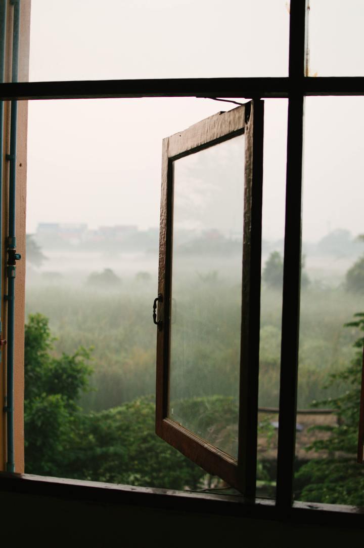 7 conseils pour des lundis matins heureux - ouvrir grand les fenêtres