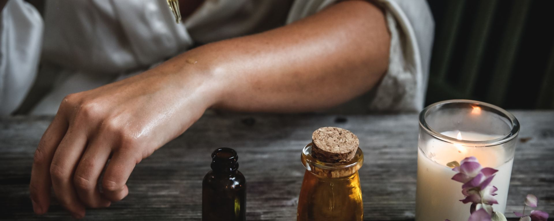tout savoir sur les huiles essentielles définition, classification, mode d'emploi