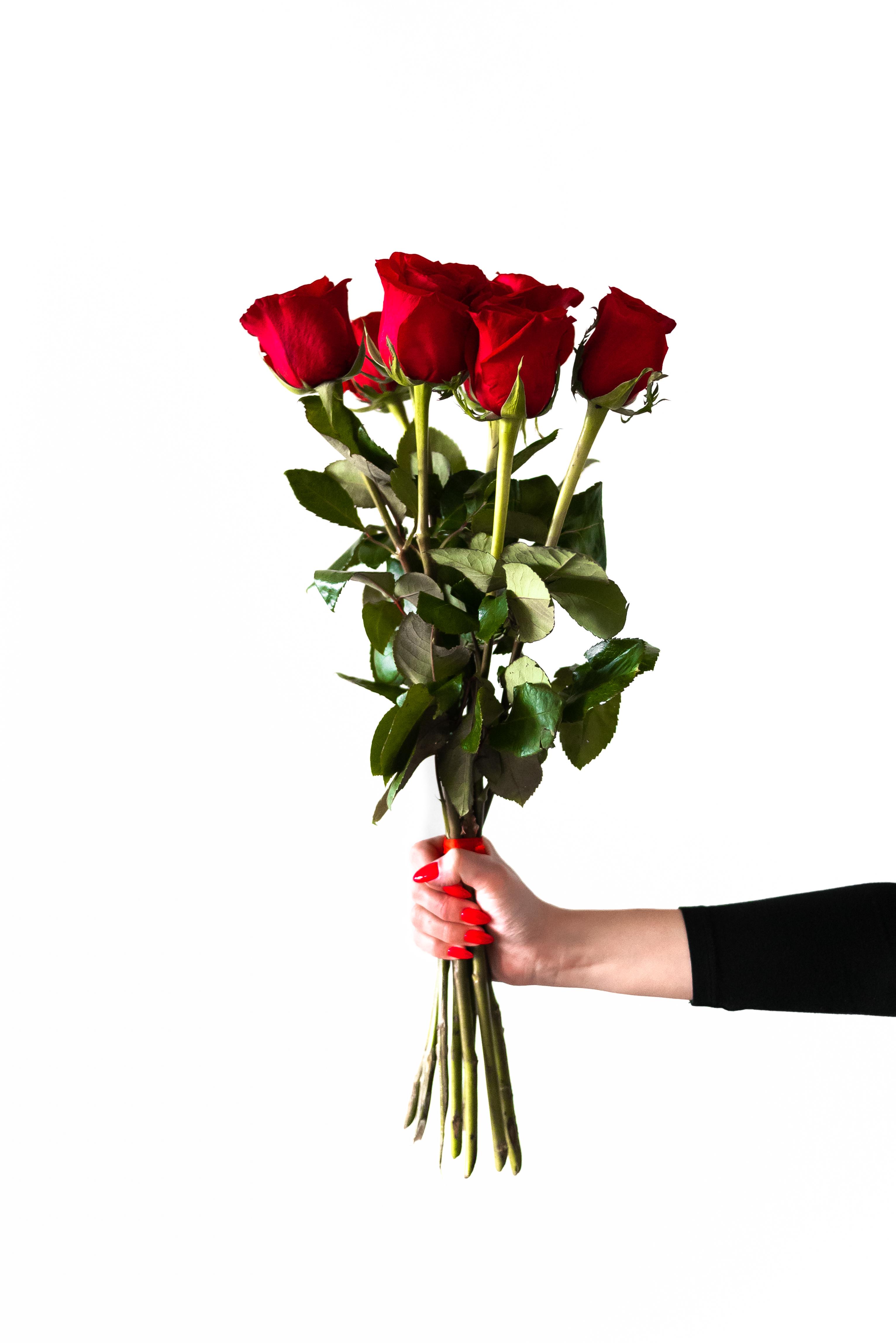le séduire avec des parfums - offrir un bouquet de fleurs - DIY créer un coffret cadeau sur le thème des 5 sens